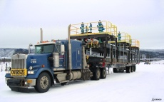 Truck with pipe rack unit loaded