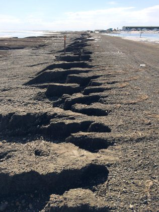 Erosion along the Dalton Highway