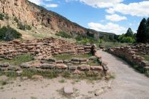 The circular diorama in the visitor center was of these ruins which were made up of many individular dwellings, some of which were at least 2 stories high.